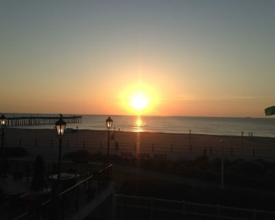 Va Beach May 11-18 Lg 2 BR 2 Bath condo Direct waterfront - Northeast Virginia Beach
