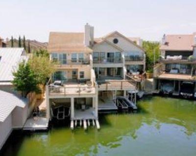 311 Island Dr #C, Horseshoe Bay, TX 78657 3 Bedroom Condo