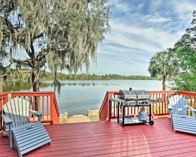 Ocklawaha House on Lake Fay w/Pool Table & Hot Tub - Ocklawaha