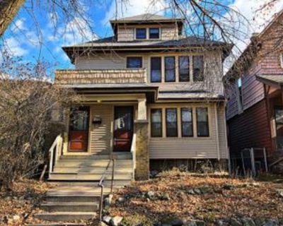 2474 S Burrell St, Milwaukee, WI 53207 2 Bedroom Condo