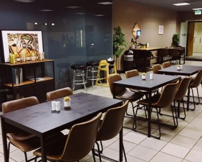 Large Beverly Hills Caf /Restaurant Space with Outdoor Seating, Los Angeles, CA