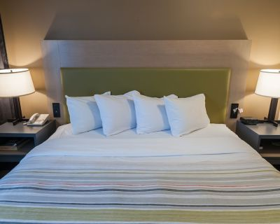 Country Inn & Suites by Radisson, Milwaukee Airport, WI - Milwaukee