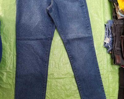 Women's size 4 crop jeans