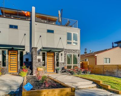 Roof Top Patio & A Hot Tub, & Minutes from Downtown! - Overland