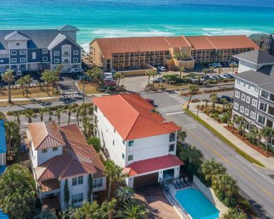 Henderson Hideaway - Gulf Views, Heated Private Pool, Comp Bikes Included! - Crystal Beach