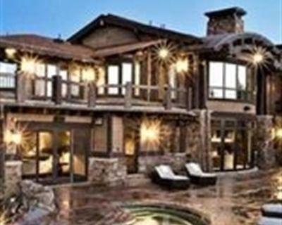 Arlington Estate Sale