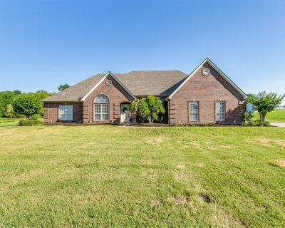 8413 Timber Meadow Dr, Burleson, TX 76028
