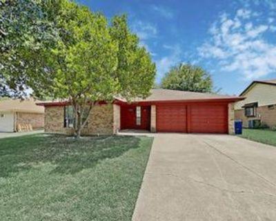 717 Lynne Ln, Burleson, TX 76028 3 Bedroom House