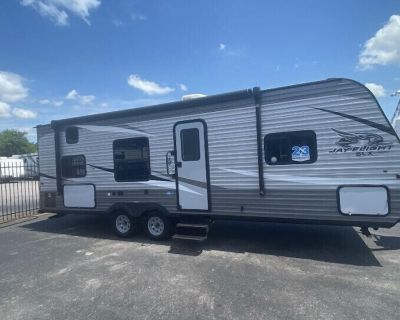 Delivery/pickup Travel Trailer Vacation Rental for Pickup near Austin, Texas - Niederwald