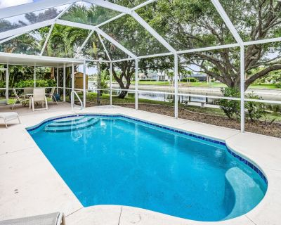 Waterfront Home with Private Pool, High-Speed WiFi, Central AC, & Washer/Dryer - Cape Coral