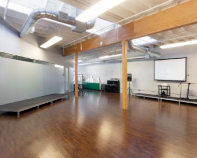1,500 ft Private Workshop Presentation Space with Natural Light, Equipment, San Francisco, CA