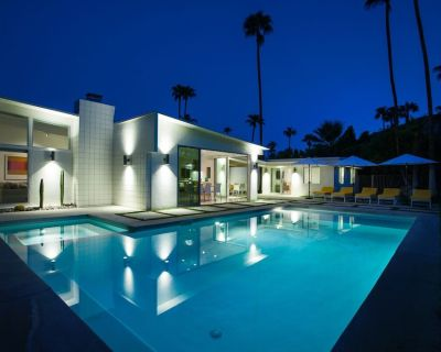 Lovely Las Palmas Home with Stunning Interior and Saline Pool - Vista Las Palmas