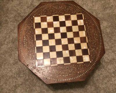 Short chess decorative table
