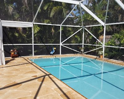 Lovely, Loaded, & Private 2-Bedroom Tropical Suite with HEATED Pool & Hot Tub!! - Boynton Beach