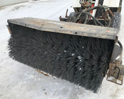 2011 Sweepster QC220 w/ Bobcat 14pin electrical