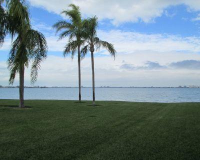 St Petersburg - Clearwater Beaches Waterfront Villa - Casa del Mar