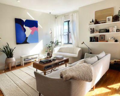 Bright Art Director's Apartment, Brooklyn, NY