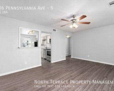 4406 Pennsylvania Ave #5, Kansas City, MO 64111 2 Bedroom Apartment