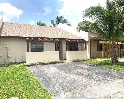 1332 Sandpiper Blvd  Unit: N/A Homestead FL 33035