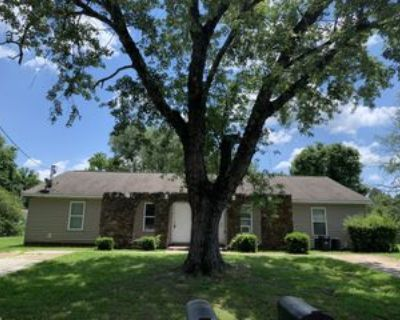 32 Rushwood Dr #L, Jackson, TN 38305 3 Bedroom Apartment