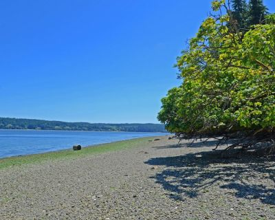 Stay in a Lovely Beach Cottage w/ a Beautiful Private Beach on Hazel Point! - Quilcene