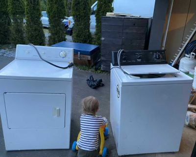 GUC washer and dryer Frigidaire