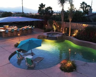 Walking Distance to Music Festival, Relaxing Backyard Oasis! - Las Brisas North