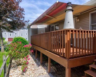 Family-friendly rental w/ patio - close to state line & the beach - Caine Woods