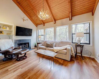 Secluded Big Canoe Retreat W/ Furnished Deck, Wooded Surroundings & Free WiFi! - Big Canoe
