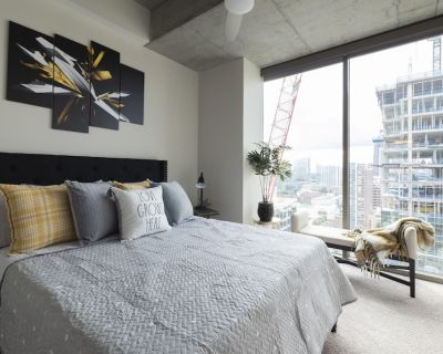 SHOW STOPPER- STEPS FROM FINE DINING+DRINK+PLAY - Midtown
