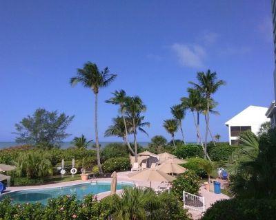 Escape to Sanibel Island-Hurricane House Resort 2 Bedroom condo - Sanibel