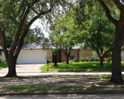 15415 Beechnut Street, Houston, TX 77083