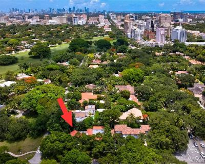 Multi Million $ home in beautiful town. Minimum rental period is 6 month stay. - Coral Gables Section