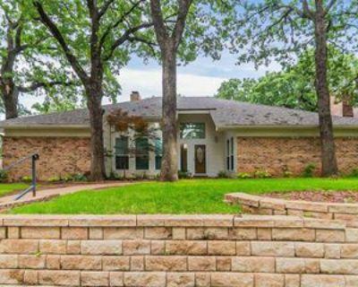4004 Woodcastle Ct, Arlington, TX 76016 4 Bedroom Apartment