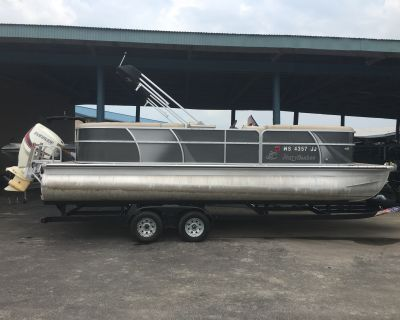 2014 Misty Harbor 2285CU Tri -Toon
