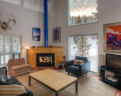 Big Sky Resort | Ski in/Out Retro Mountain Retreat - Big Sky Mountain Village