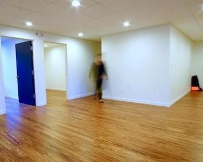 Rent a desk/shared office space