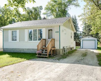 3 Bed 2 Bath - Great Starter Home or Investment