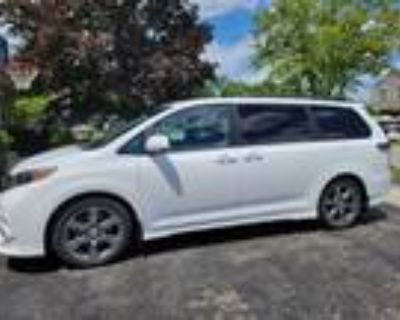 2017 Toyota Sienna SE for Sale by Owner