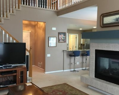 Spacious Townhome Minutes to Denver and Boulder - Westminster