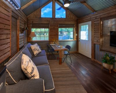 Bass-kin on the RIver-Tiny House-waterfront 17min to dwntwn F'hope 38 min- Gulf - Fairhope