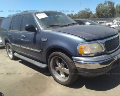 Salvage Blue 2000 Ford Expedition