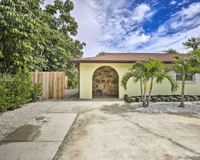 New! Bright Pet-friendly Duplex, 6 Mi to Beaches - Bonita Springs