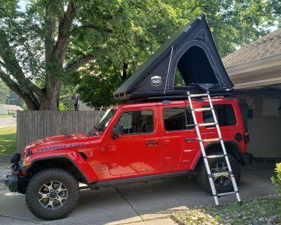 New Jersey - Rhino Rack Pioneer Platform w/ Backbone + body color hard top