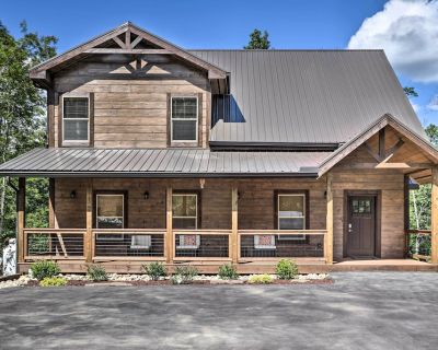 NEW! Smoky Cove Cabin w/ Private Hot Tub & Views! - Pigeon Forge