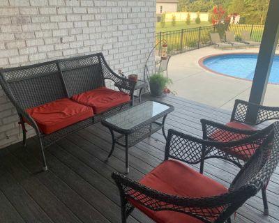Wicker 5 pc patio set