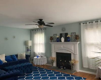 Spacious Private Room in a Town House - West Norriton Township