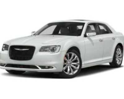 2018 Chrysler 300 Touring L V6 RWD