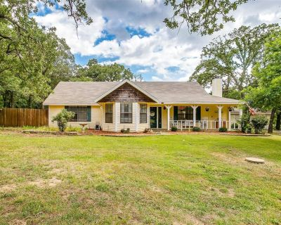 6110 Dick Price Rd, Fort Worth, TX 76140