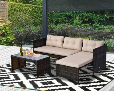 Brand new patio set in a box. 3pc sectional